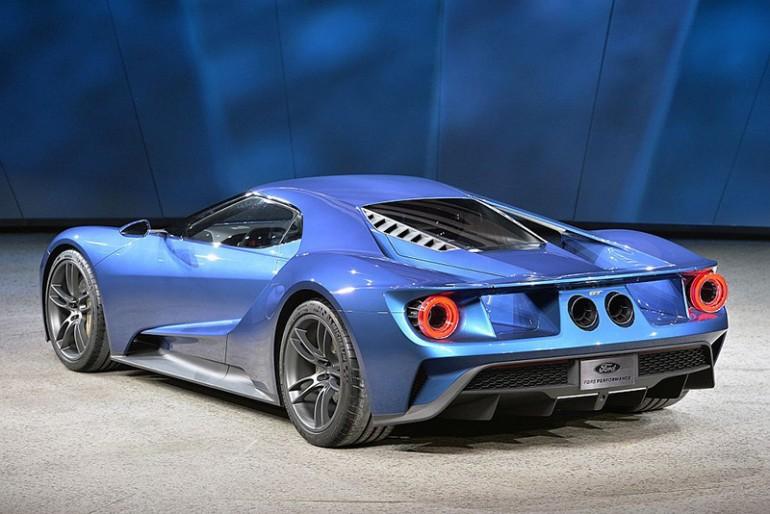2017-ford-gt-rear