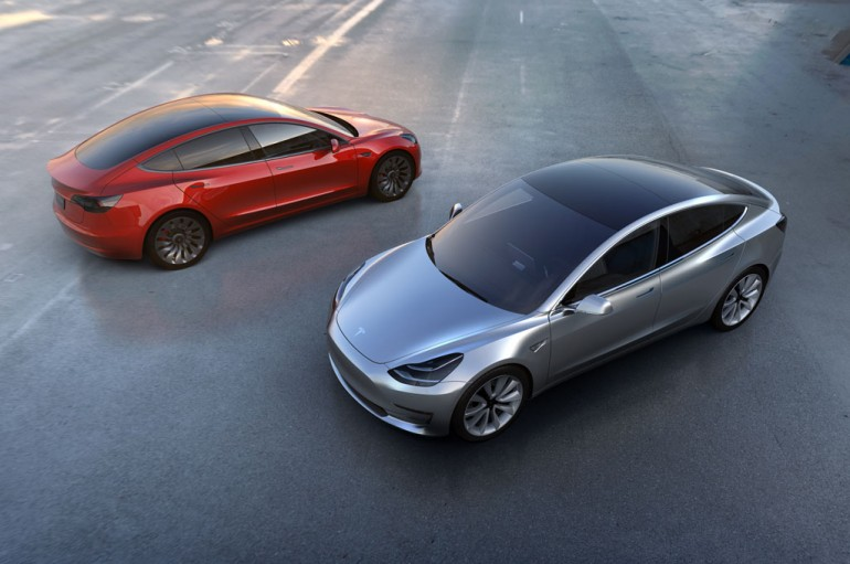 Tesla-Model-3-front-and-rear-views-from-above