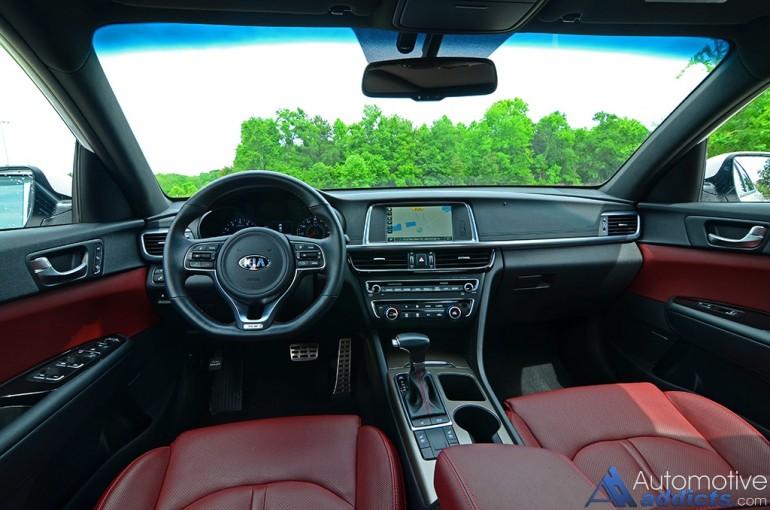 2016-kia-optima-sx-turbo-dashboard