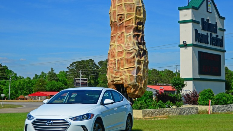 A Journey Home for Peanuts in the New 2017 Hyundai Elantra Eco – Test Drive & Review