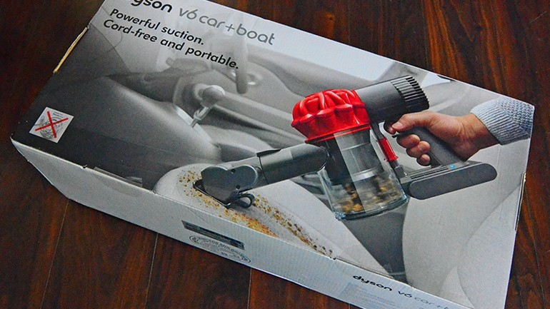 Review: Dyson's New V6 Car+Boat Handheld Vacuum Is A Compelling Package for Automotive Addicts