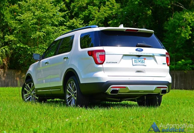 2016-ford-explorer-platinum-rear-1