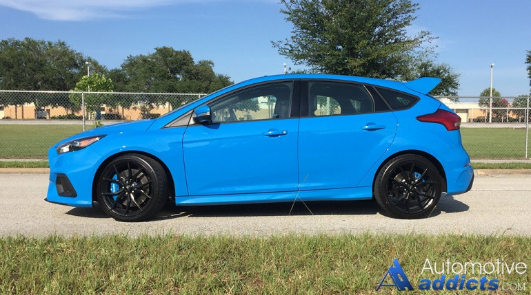 2016-ford-focus-rs-side