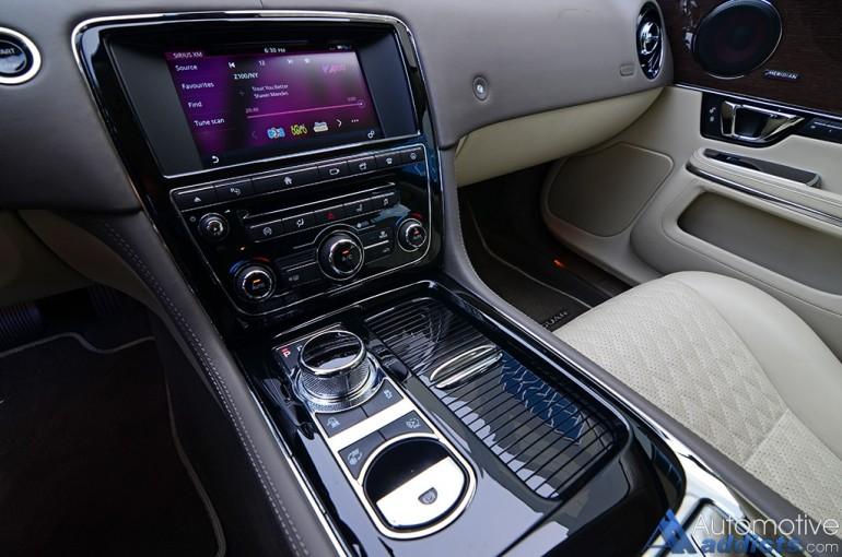 2016-jaguar-xjl-supercharged-dashboard-center-stack-infotainment
