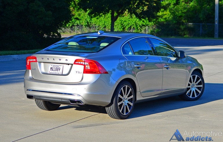 2016-volvo-s60-t5-inscription-rear-side