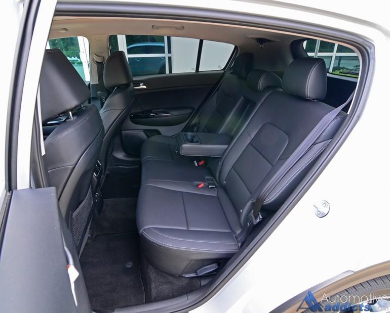 2017-kia-sportage-sx-turbo-awd-rear-seats