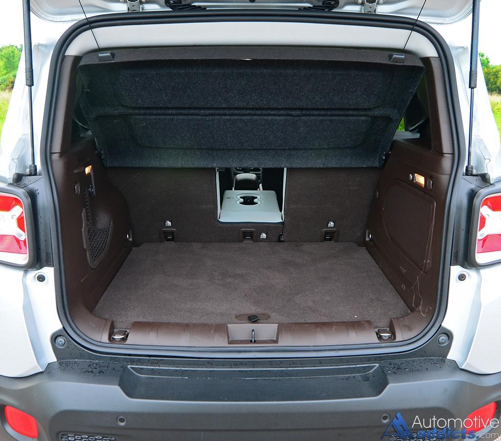 2016 jeep renegade limited 4 4 review test drive. Black Bedroom Furniture Sets. Home Design Ideas