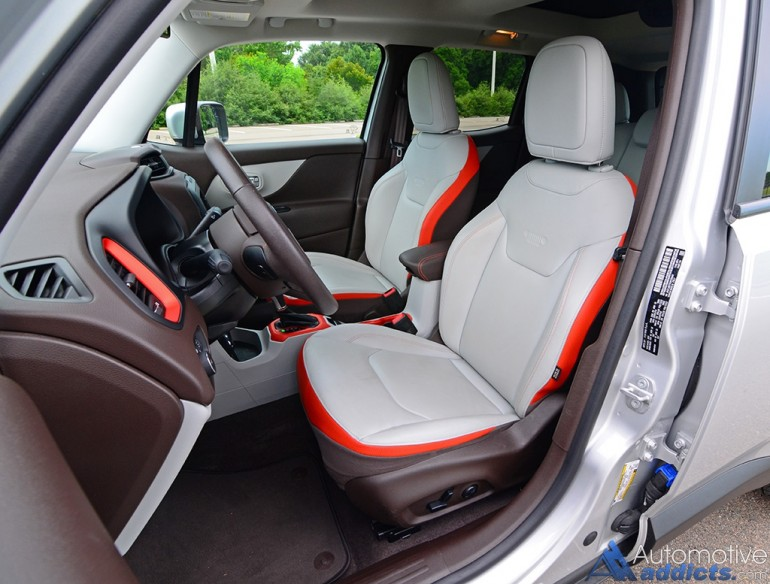 2016-jeep-renegade-limited-4x4-front-seats
