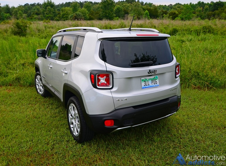 2016-jeep-renegade-limited-4x4-rear-2