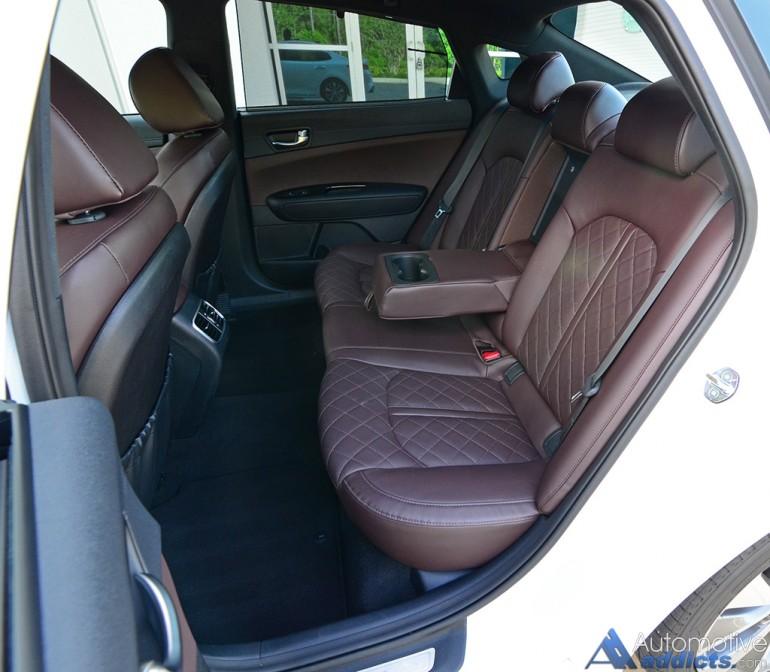 2016-kia-optima-sxl-limited-rear-seats