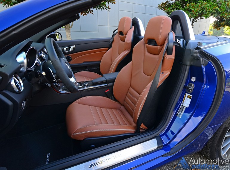 2017-mercedes-amg-slc43-seats