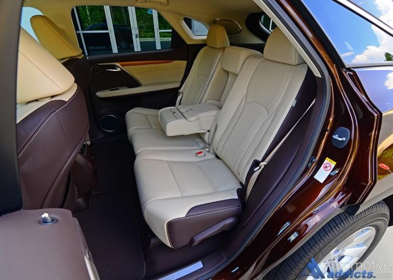 2016-lexus-rx-350-rear-seats