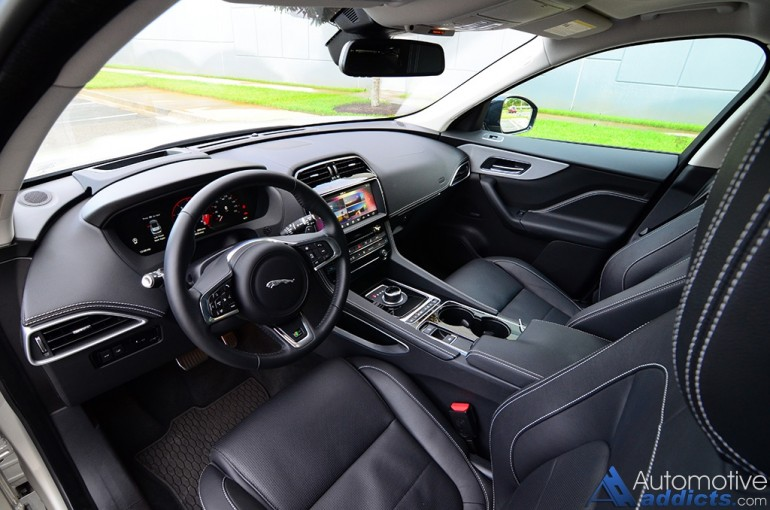 2017-jaguar-f-pace-35t-r-dashboard