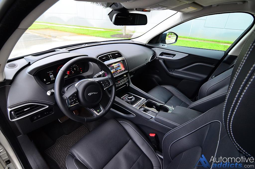 2017 Jaguar F Pace 35t R Dashboard