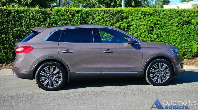 2016-lincoln-mkx-27-black-label-side