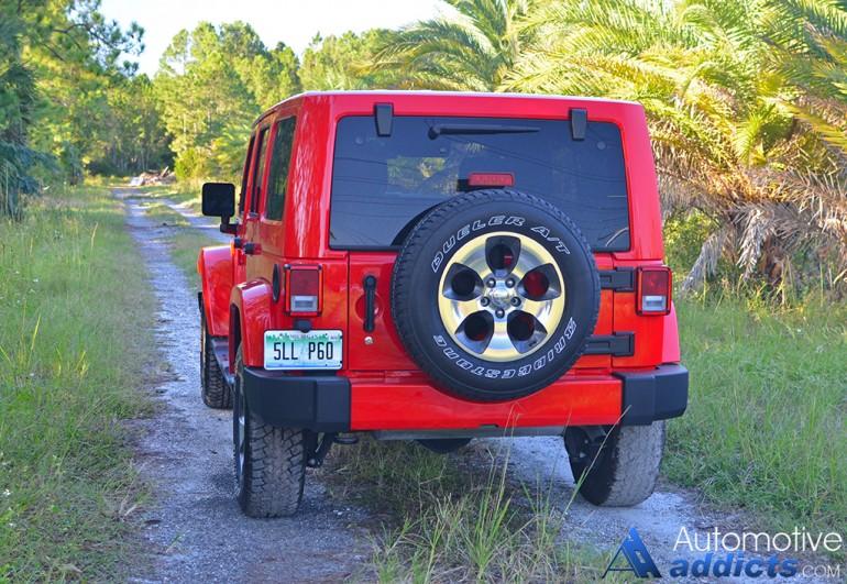 2016-jeep-wrangler-sahara-unlimited-4