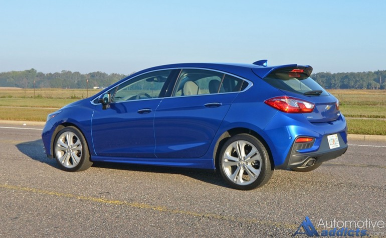 2017-chevrolet-cruze-hatchback-side-rear