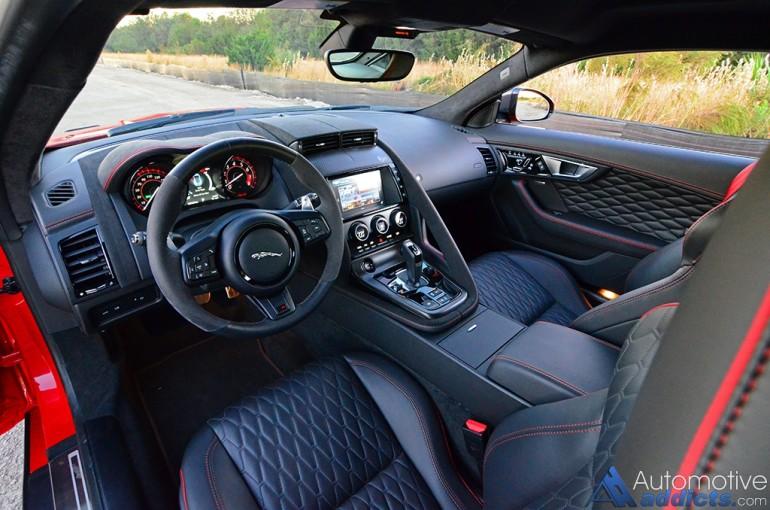 2017-jaguar-f-type-svr-interior-dasboard