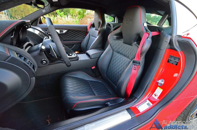 2017-jaguar-f-type-svr-seats