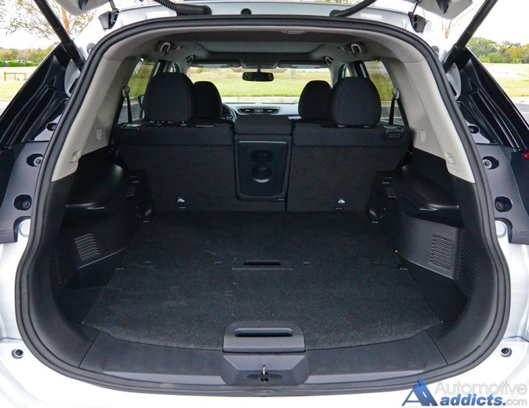 2017-nissan-rogue-sv-awd-cargo-seats-up