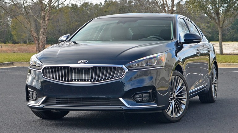 2017 Kia Cadenza Limited Review & Test Drive