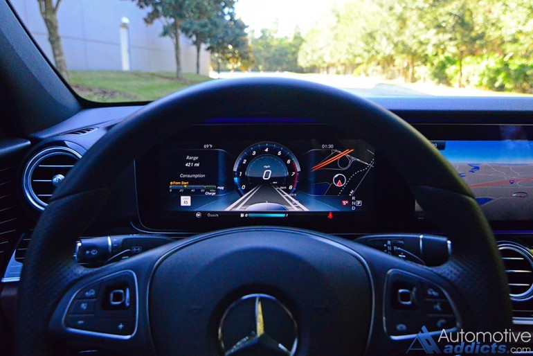 2017-mercedes-benz-e300-4matic-gauge-cluster