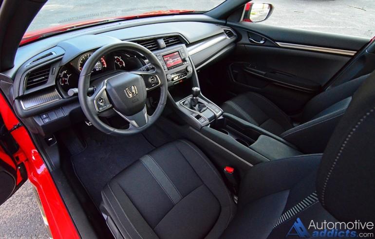 2017-honda-civic-hatchback-sport-dashboard
