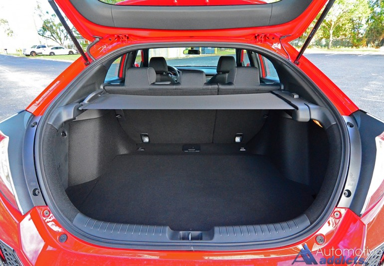2017-honda-civic-hatchback-sport-trunk-up