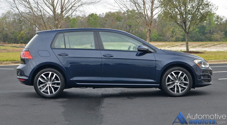 2017-volkswagen-golf-side