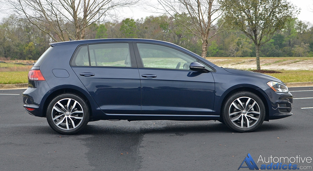 2017 volkswagen golf hatchback quick spin review. Black Bedroom Furniture Sets. Home Design Ideas