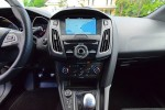 2017-ford-focus-rs-center-console-dashboard