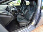 2017-ford-focus-rs-front-seats