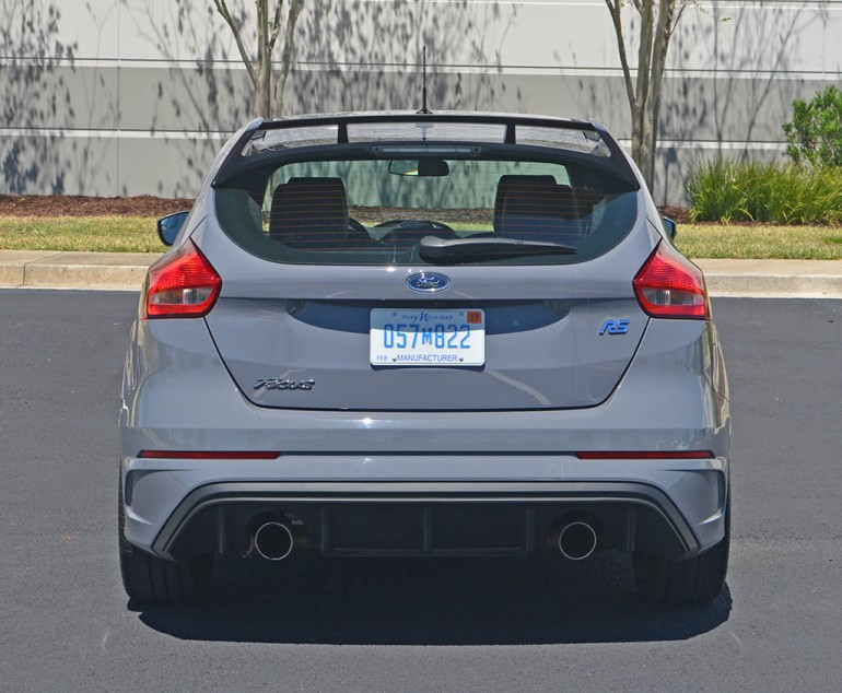 2017-ford-focus-rs-rear