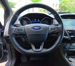 2017-ford-focus-rs-steering-wheel