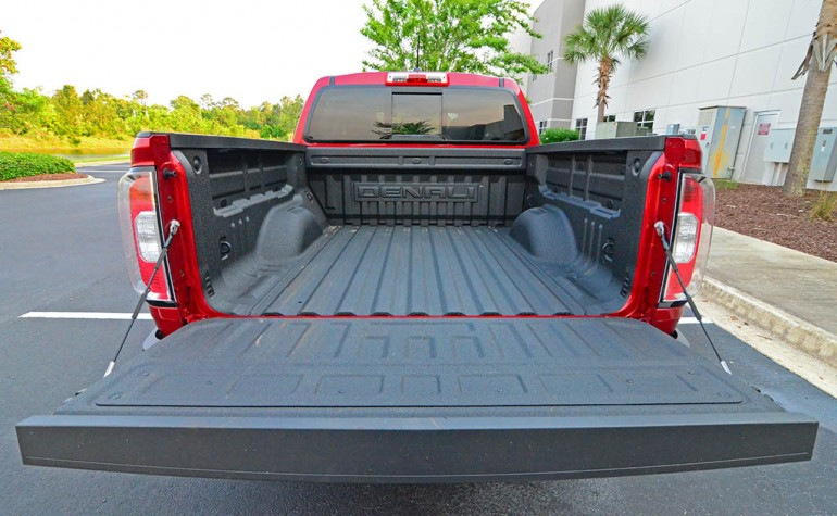 2017-gmc-canyon-denali-bed-short-box