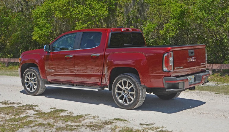2017-gmc-canyon-denali-side