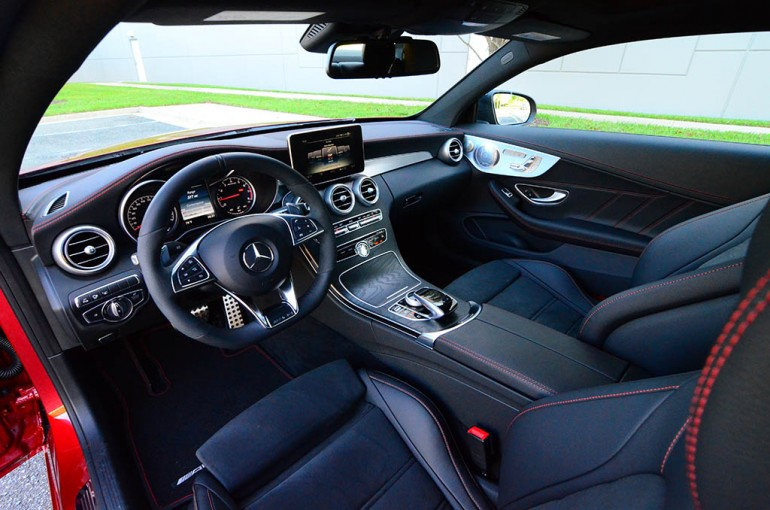 2017-mercedes-amg-c43-coupe-4matic-dashboard