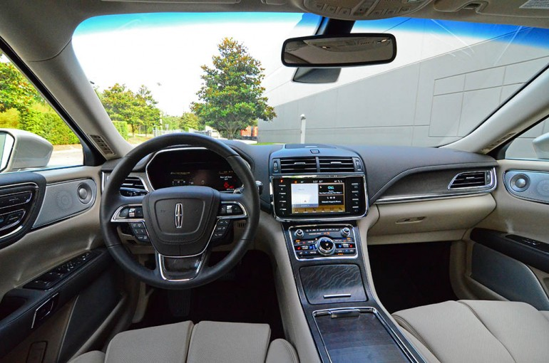 2017-lincoln-continental-reserve-awd-dashboard-2