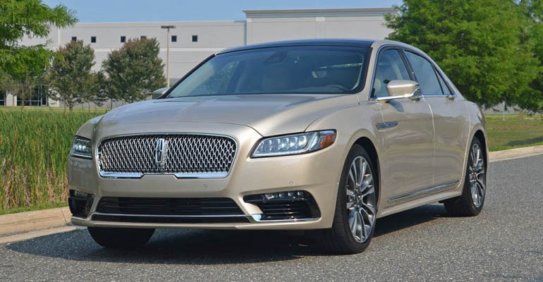 2017-lincoln-continental-reserve-awd-feature