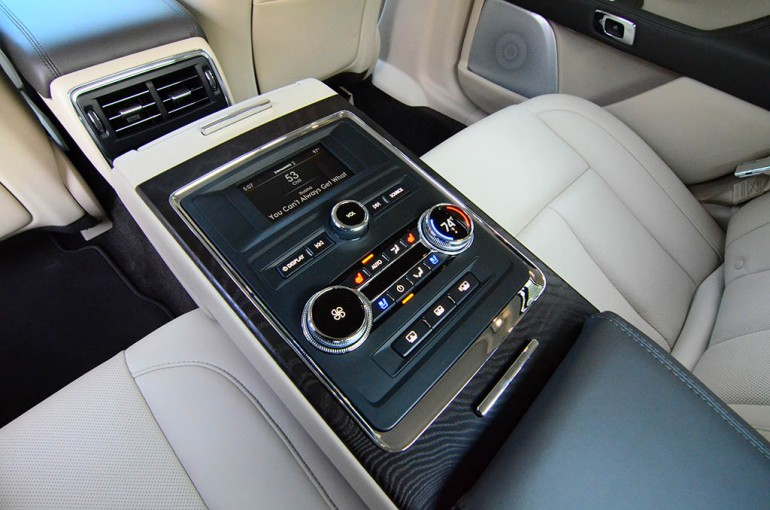 2017-lincoln-continental-reserve-awd-rear-seat-controls