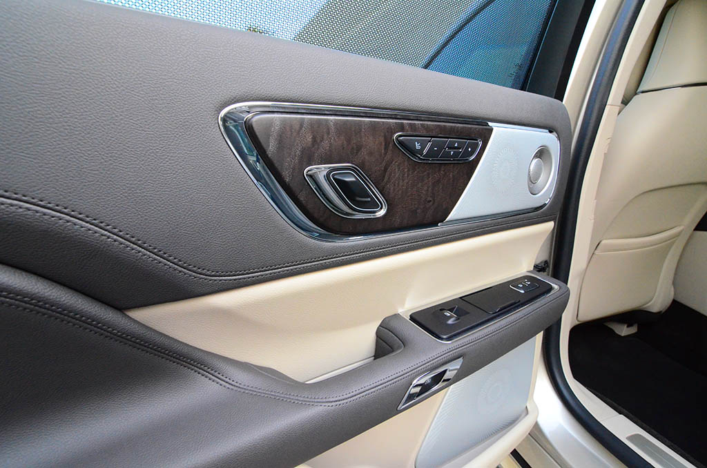 2017 lincoln continental reserve awd review test drive. Black Bedroom Furniture Sets. Home Design Ideas