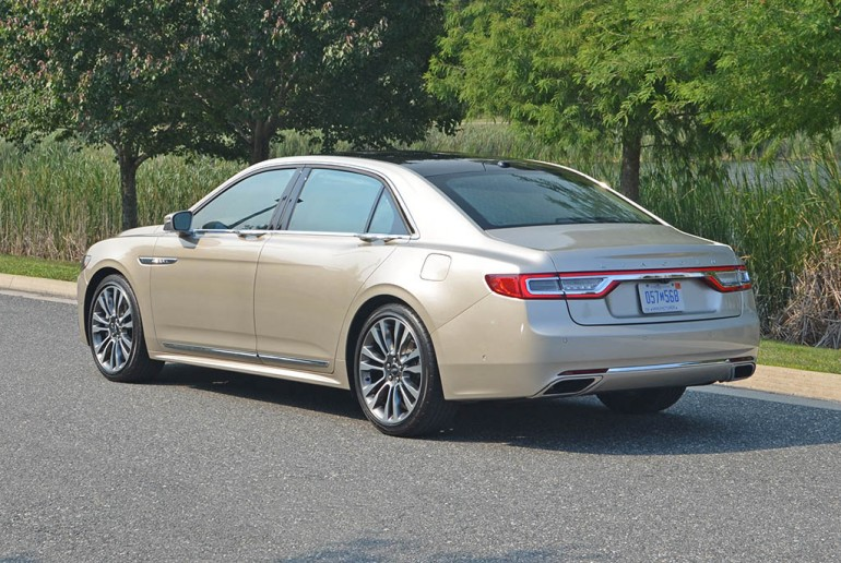 2017-lincoln-continental-reserve-awd-side-rear