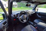 jeep-wrangler-unlimited-rubicon-hard-rock-edition-dashboard