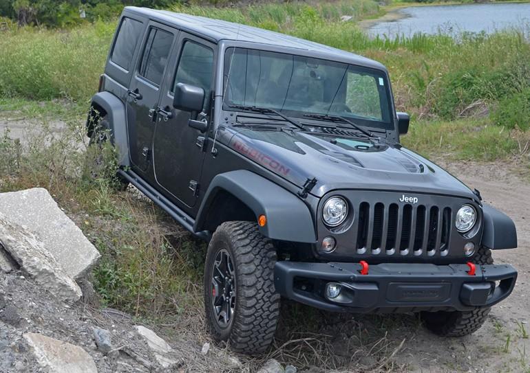 jeep-wrangler-unlimited-rubicon-hard-rock-edition-rocks