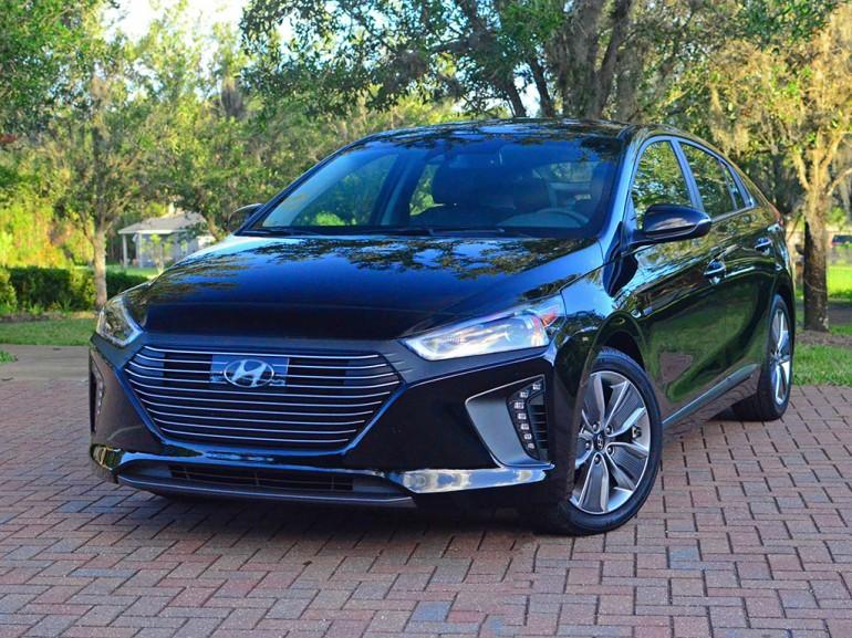 2017-hyundai-ioniq-limited-hybrid