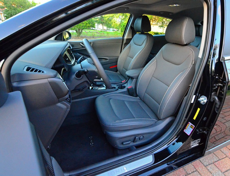 2017-hyundai-ioniq-limited-hybrid-front-seats