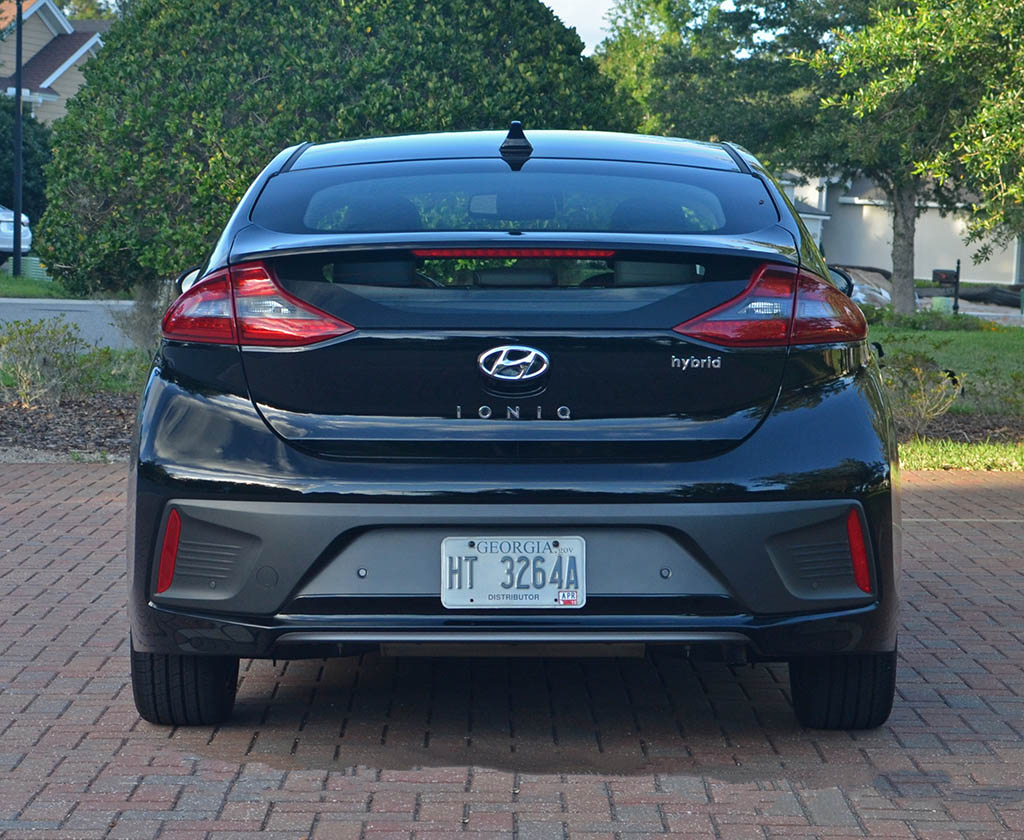 2017 hyundai ioniq hybrid limited review test drive. Black Bedroom Furniture Sets. Home Design Ideas