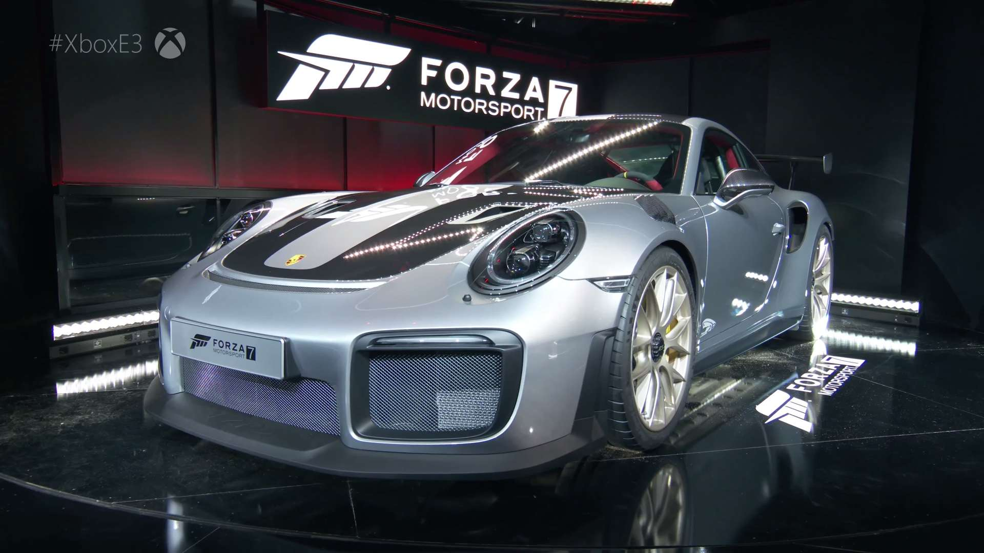 2018 porsche 911 gt2 rs revealed with new microsoft xbox one x and forza moto. Black Bedroom Furniture Sets. Home Design Ideas