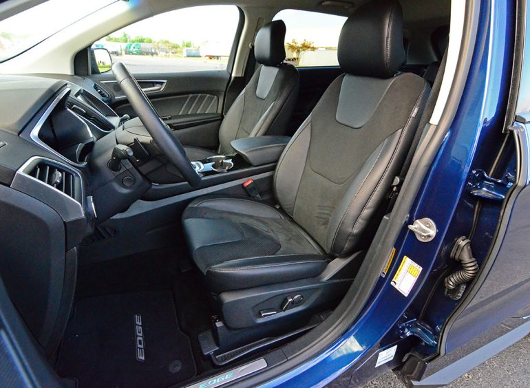 2017-ford-edge-sport-front-seats