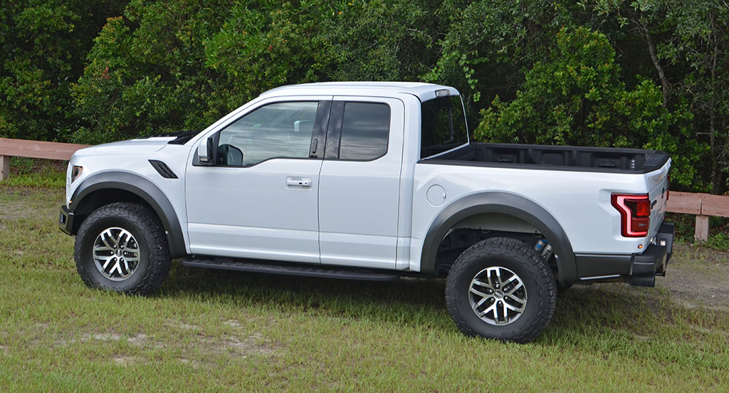 2017 ford f 150 raptor supercab review test drive. Black Bedroom Furniture Sets. Home Design Ideas
